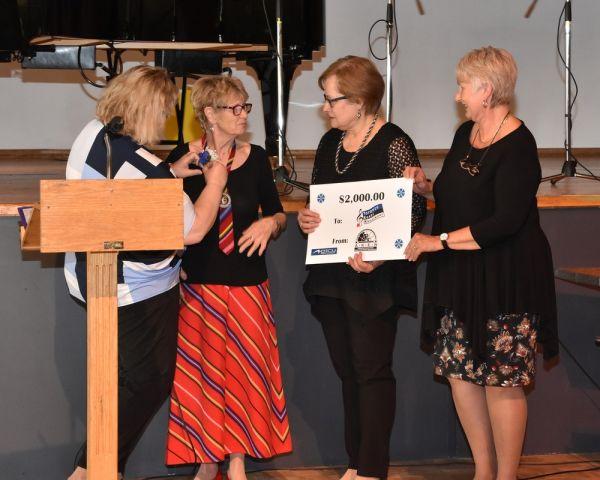 Akadeemilised Kanada Eesti Naiste toetuse üleandmine - pics/2017/04/49608_007_t.jpg