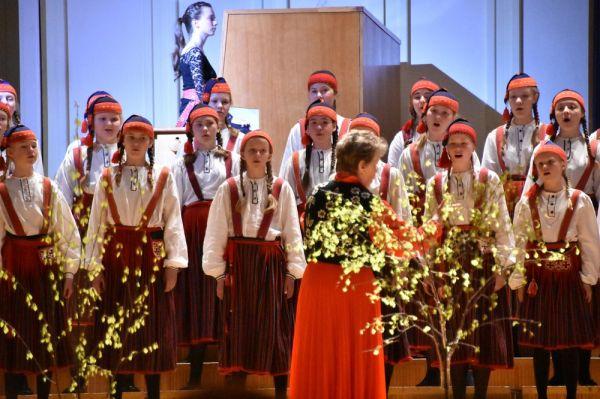 Lastekoor, dirigent Anneli Mäeots - pics/2017/06/49808_002_t.jpg