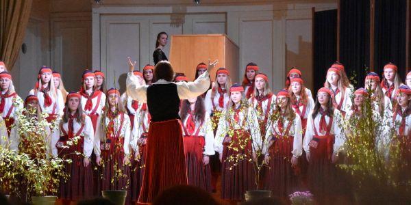 Tütarlastekoor, dirigent Ingrid Kõrvits - pics/2017/06/49808_004_t.jpg