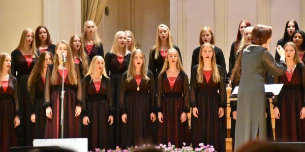 Tütarlastekoor, dirigent Ingrid Kõrvits - pics/2017/06/49808_011_t.jpg