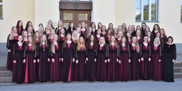 Tütarlastekoor, dirigent Ingrid Kõrvits - pics/2017/06/49808_017_t.jpg