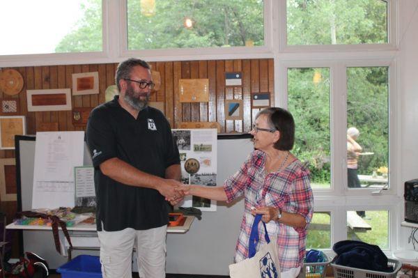 Eric Tiisler ja Mai Rebane (laagri eesti keele vabatahtlik õpetaja) - pics/2017/07/50096_009_t.jpg