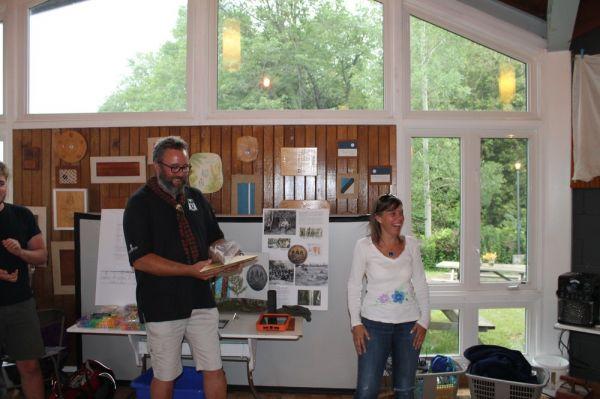 Nädala tegevusjuht, Eric Tiisler, saab tänukinki Seedrioru nimel Kadri (Nõmmik) Munro'lt - pics/2017/07/50096_011_t.jpg