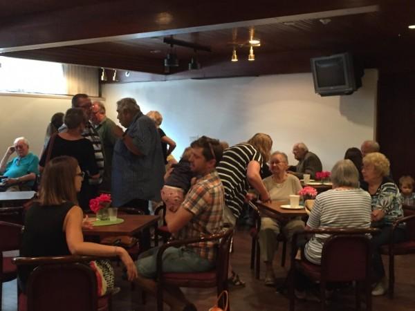 Kohvik täis rahvast laupäeval Sõprade kohvikus  - pics/2017/09/50388_001_t.jpg