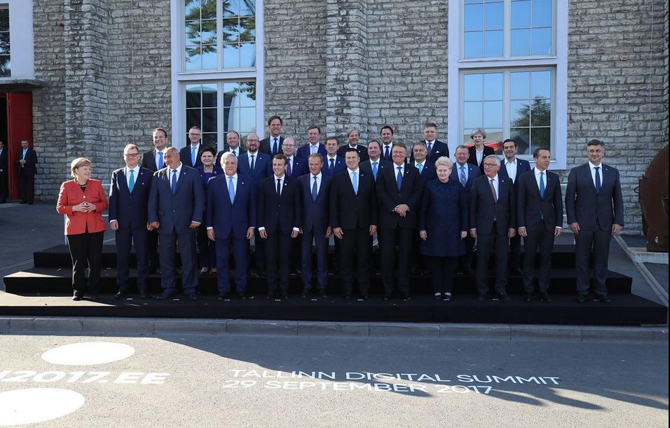 6456a03548c FOTOD | Euroopa presidendid ja peaministrid poseerisid ühispildi ...