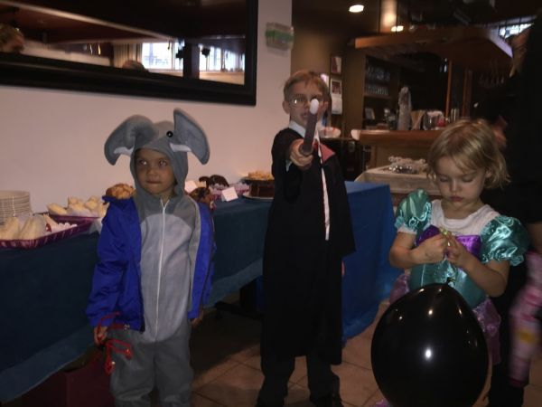 Adorable visitors to the Friends' Café from the Lasteaed Halloween Carnival  - pics/2017/11/50595_004_t.jpg