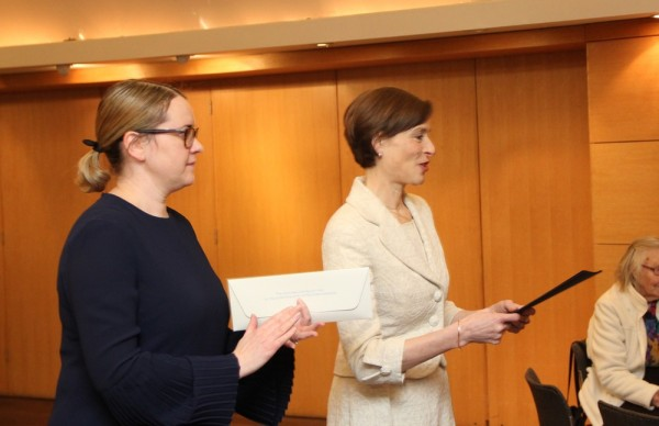 EV konsul Ottawas Triin Uibo ja EV suursaadik Kanadas Gita Kalmet - pics/2017/12/50825_010_t.jpg