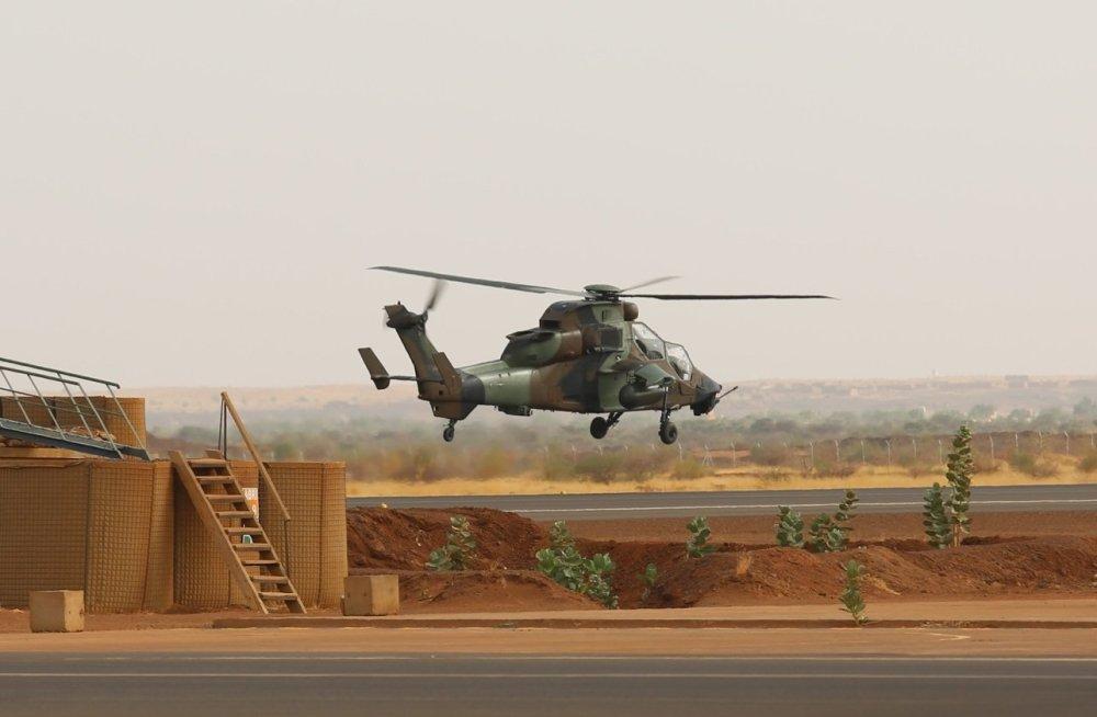 Terroristid ründasid Malis Eesti vägede baasi, vigastada said ka viis Eesti kaitseväelast DELFI