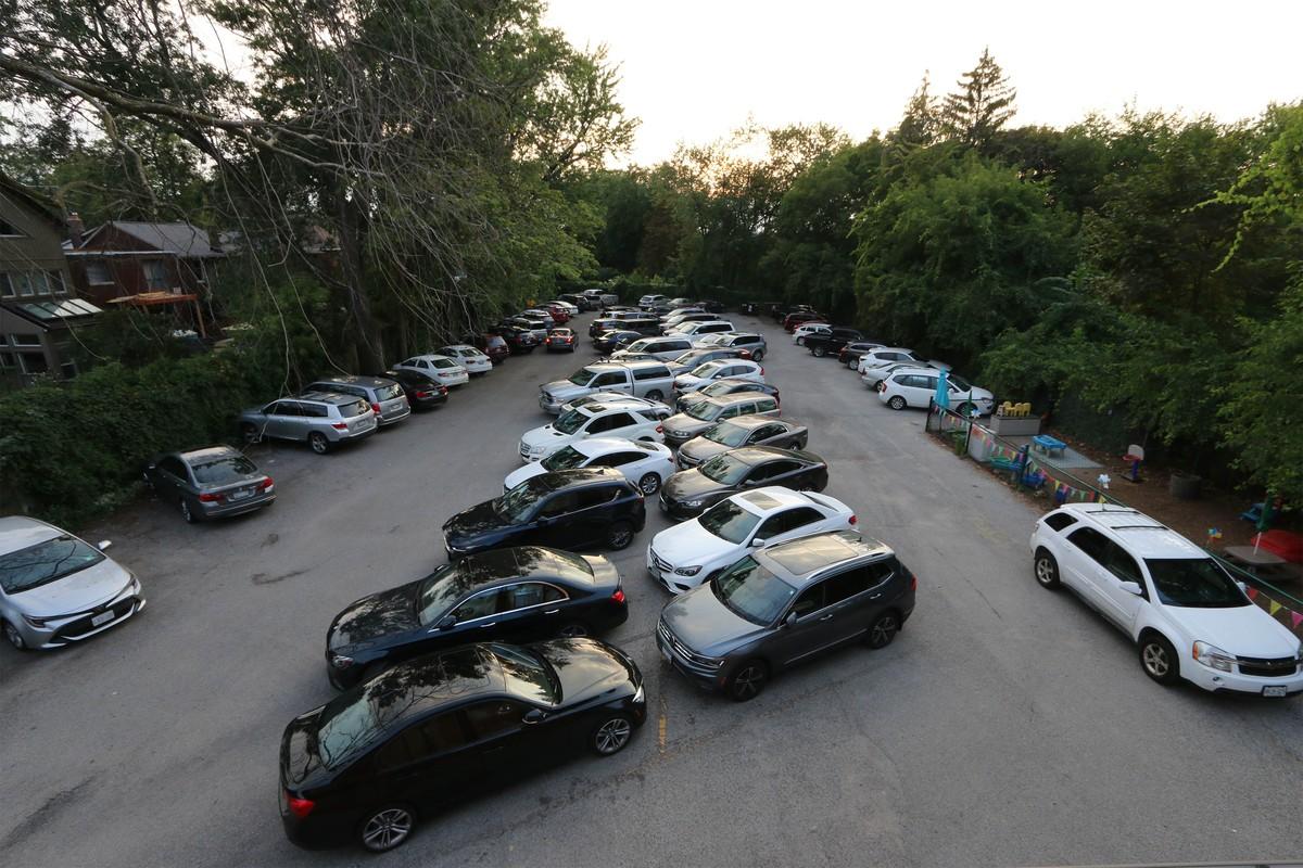 A Tale of Two Parking Studies / Lugu kahest parkimisuuringust