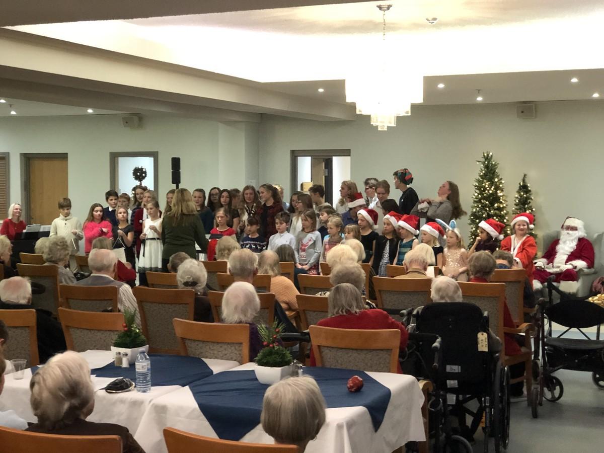 Eesti Kool külastas jõulude ootel Ehatare